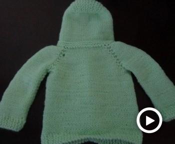 Saquito de bebe tejido a dos agujas paso a paso